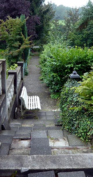 Ausgangslage Garten Am Hang .